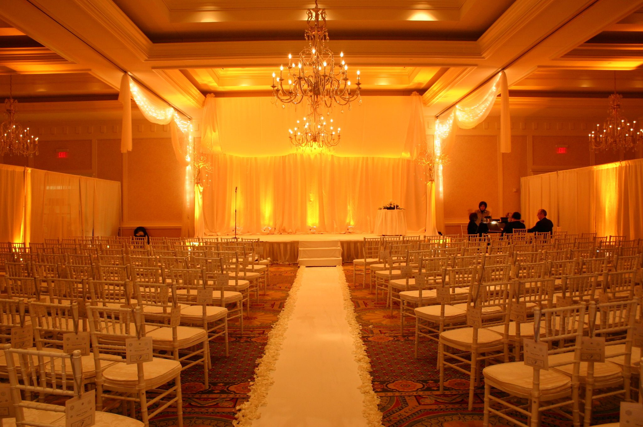 regent ballroom wedding design at the hilton columbus at. Black Bedroom Furniture Sets. Home Design Ideas