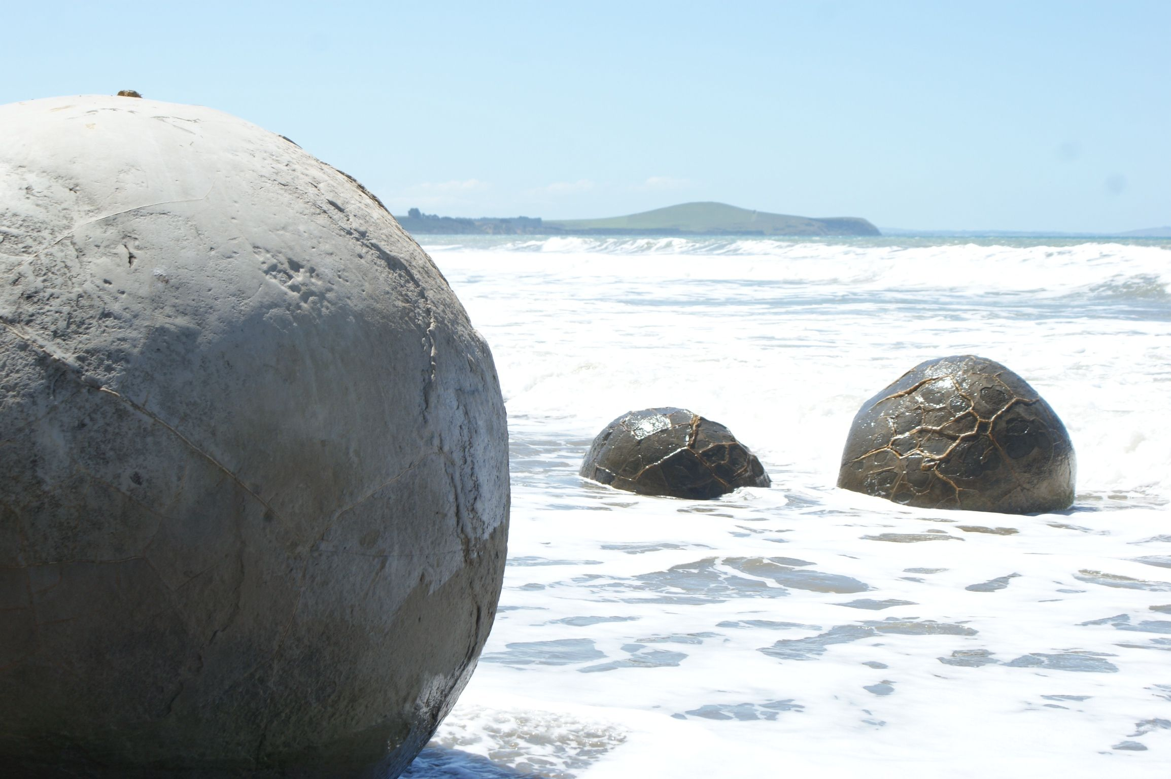 Moeraki Boulders | New Zealand | Pinterest