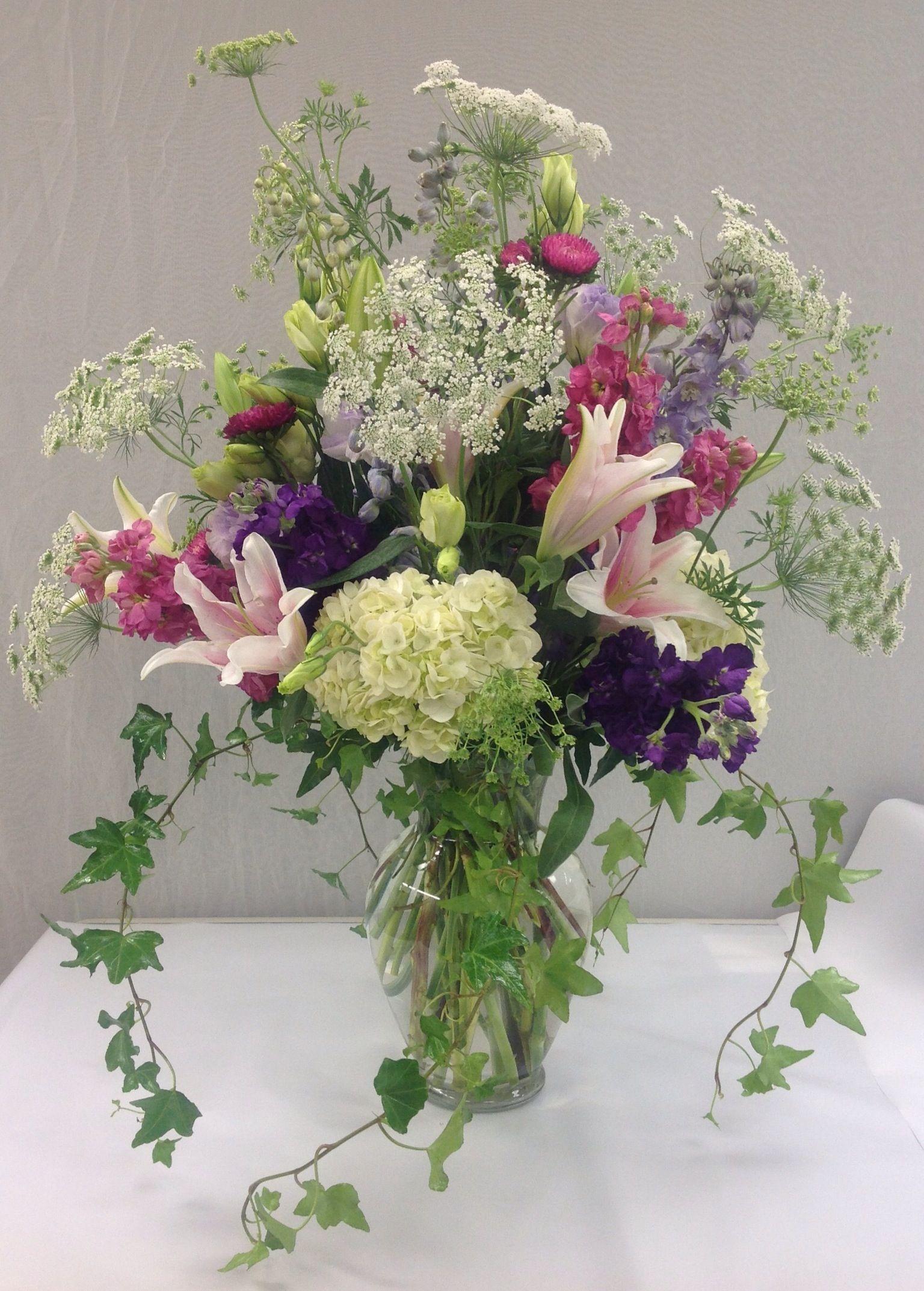 By Belton Hy Vee On Center Pieces Tablescapes Unique Flower Bou