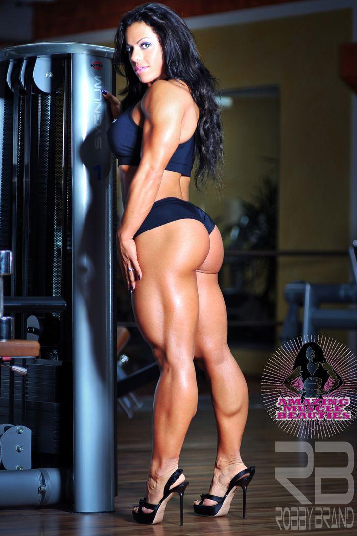 Chesty bodybuilder babe Ashton Blake posing naked in high heels № 1041885 без смс