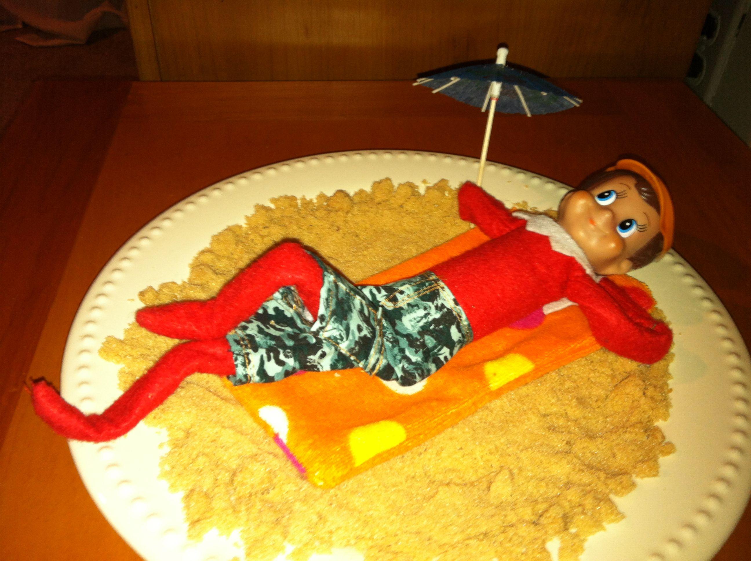 Elf on the shelf sun tanning | Elf on the Shelf Ideas | Pinterest