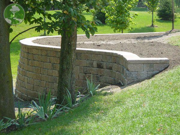 Retaining Wall Backyard Slope : retaining wall for sloped back yard  DeckRetaining Wall Ideas  Pin
