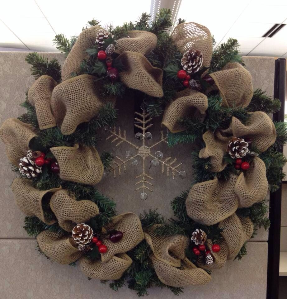 Burlap christmas wreath holidays pinterest Burlap xmas wreath