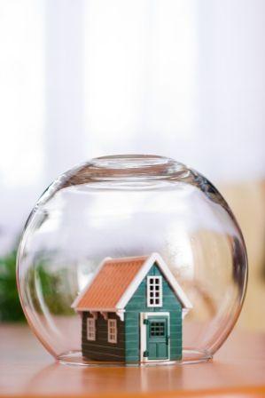 Bardzo ważne jest, by nasza polisa mieszkaniowa była zawsze aktualna (źródło grafiki: Pinterest)