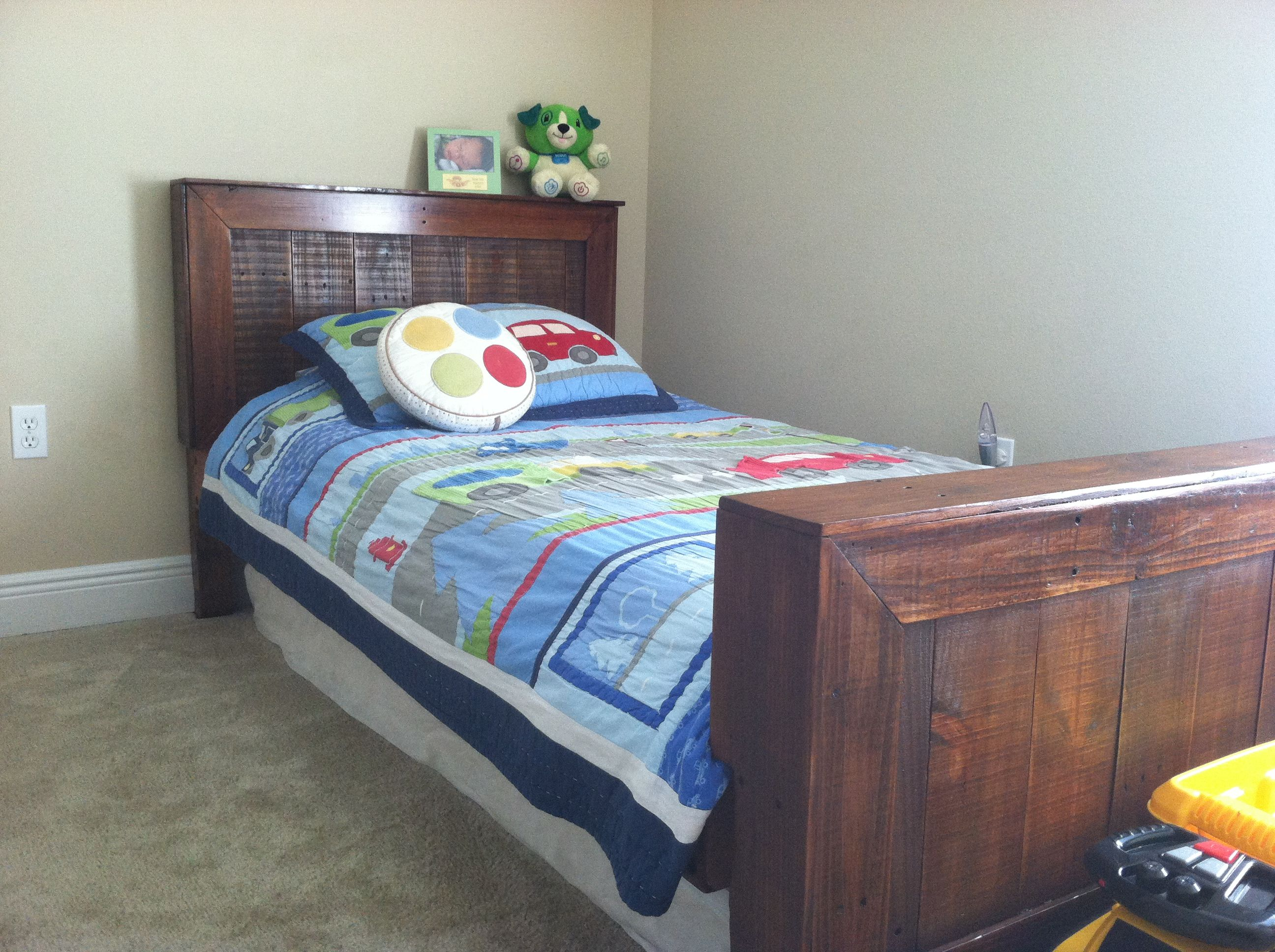 wood pallet twin bed the image kid has it