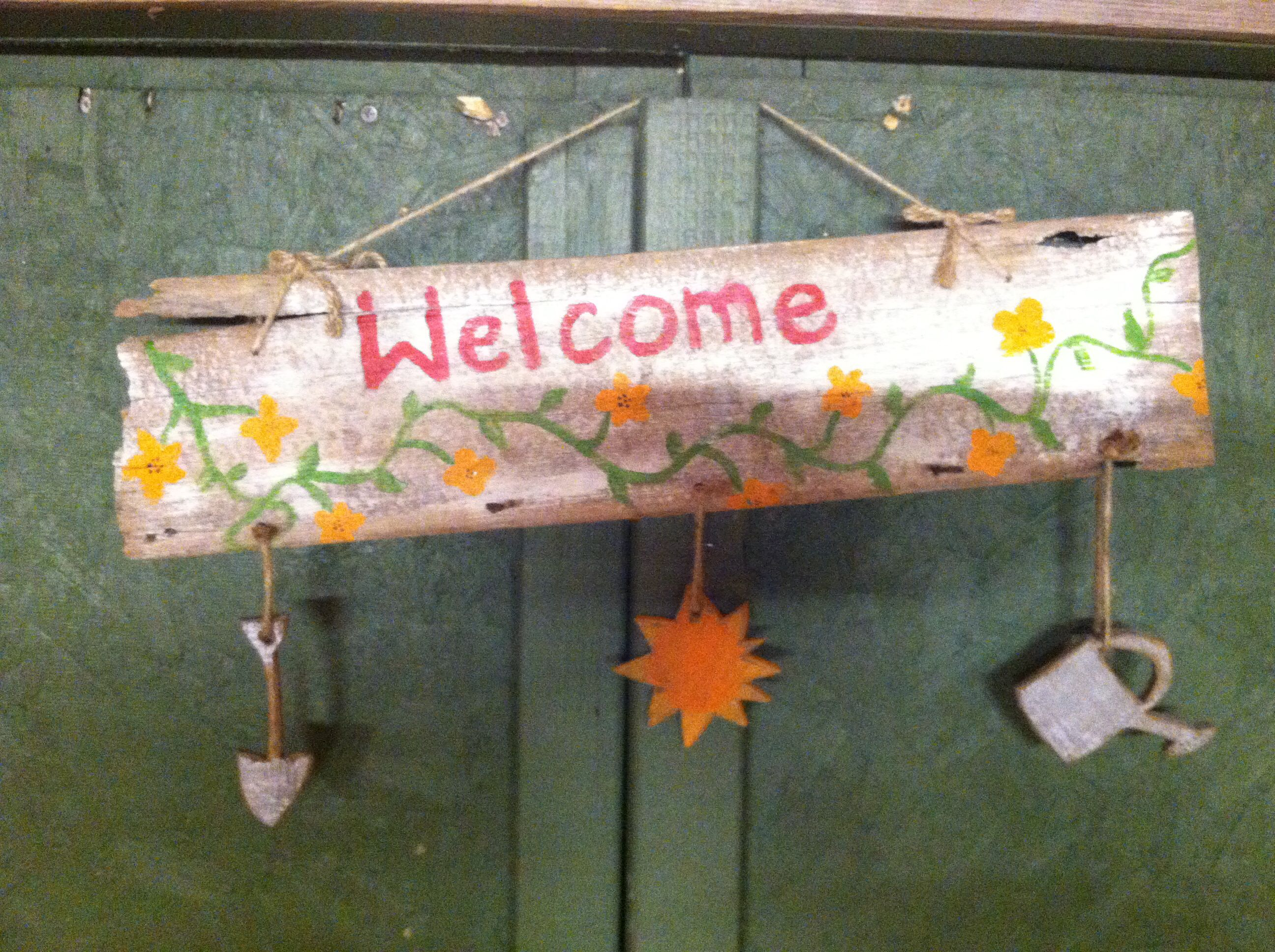 Welcome sign out of barn wood stuff i made pinterest for Things to make out of barn wood