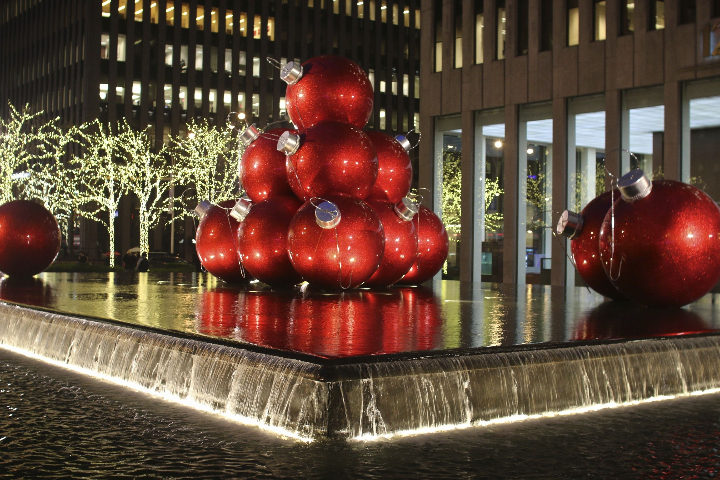 #AB2D20 CHRISTMAS DECORATIONS NEW YORK Christmas Pinterest 5549 decorations noel new york 2736x1824 px @ aertt.com