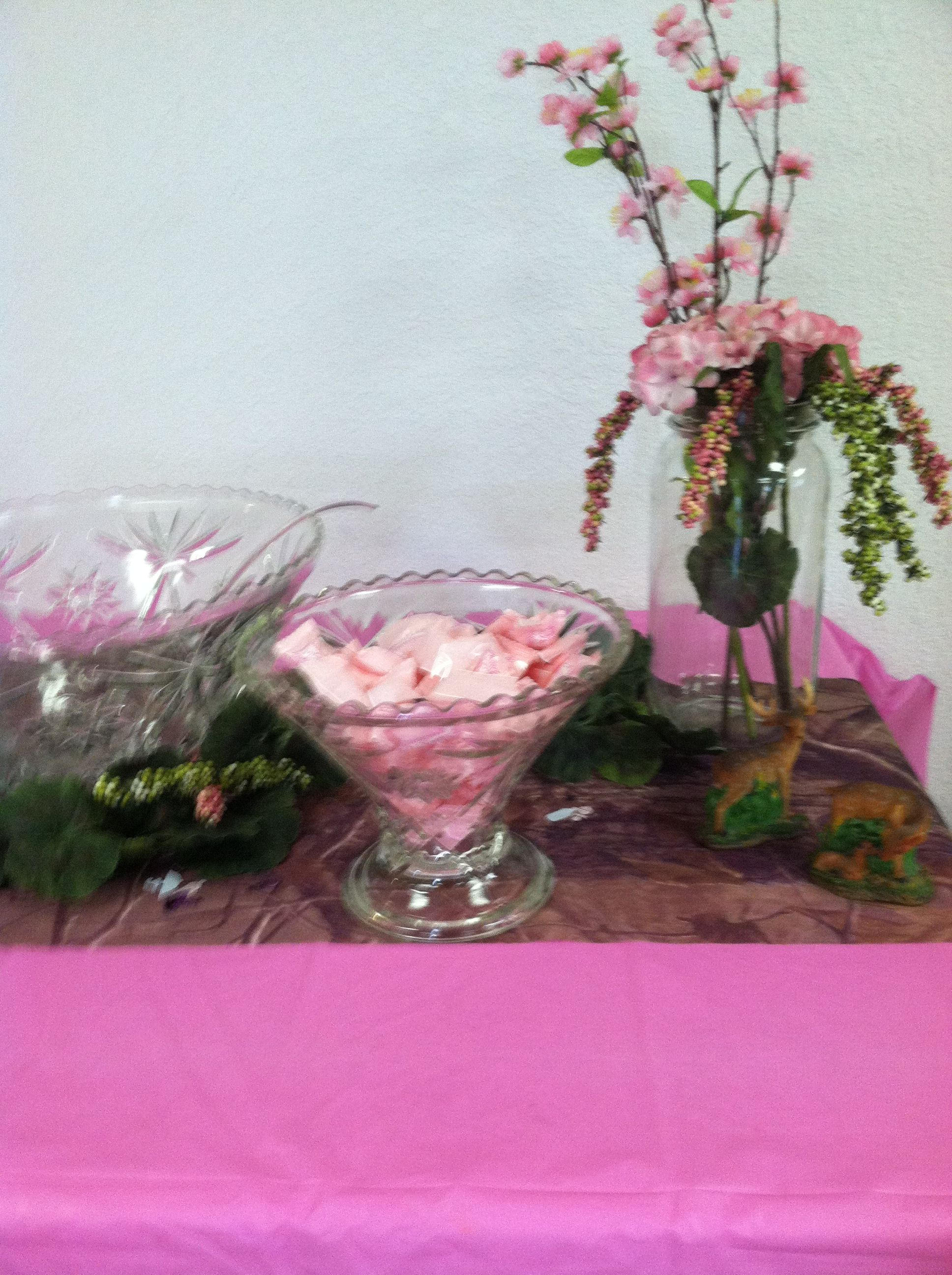 Pink camo baby shower decorations car interior design for Pink camo decorations