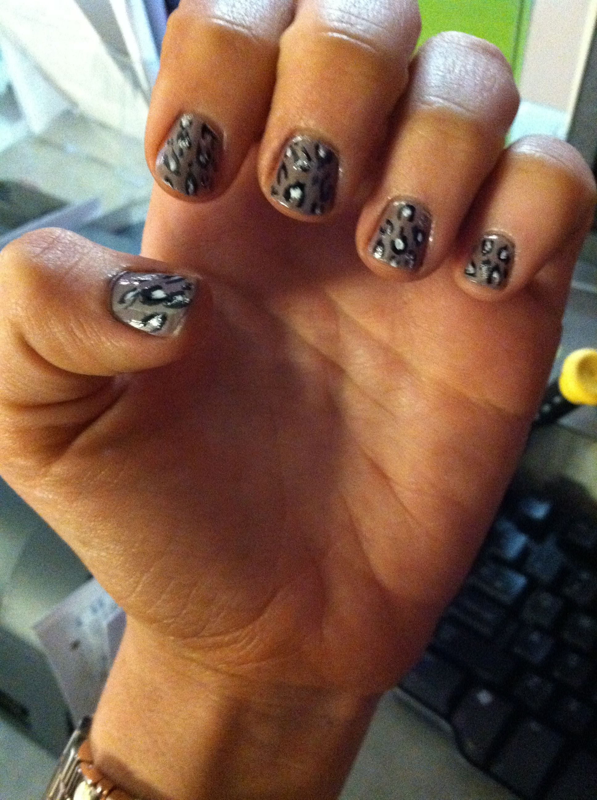 The Excellent Black white cheetah nails Picture