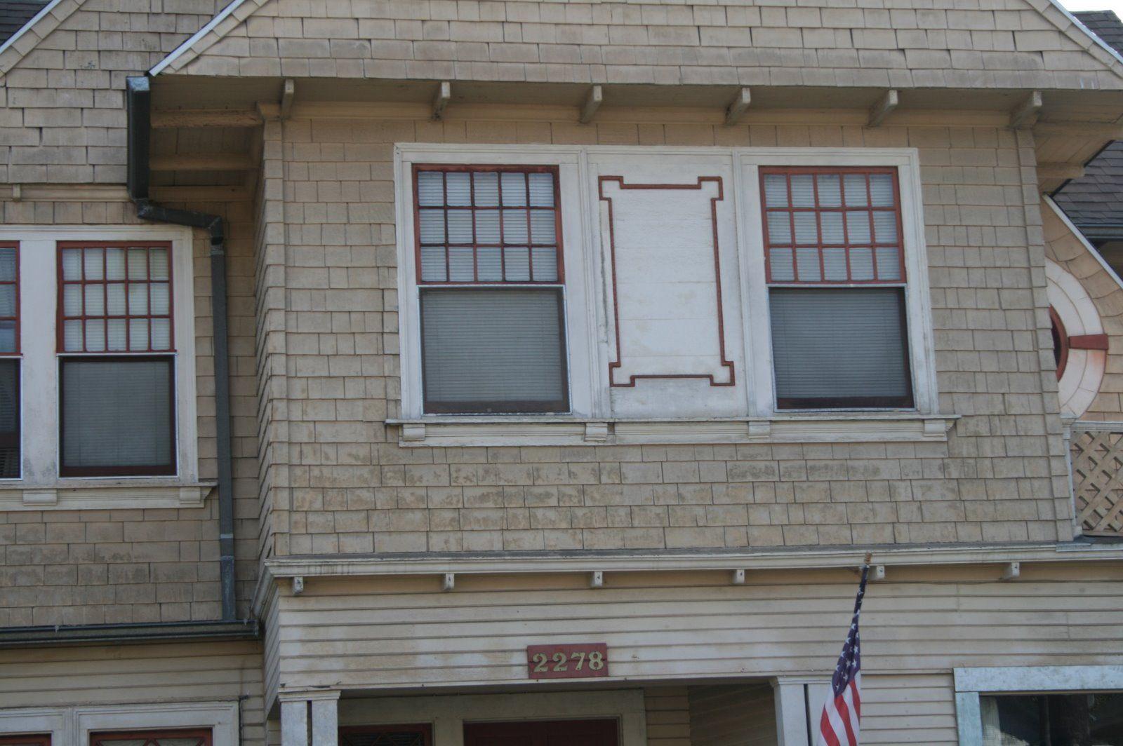 Trim Between Windows Exterior House Ideas Pinterest