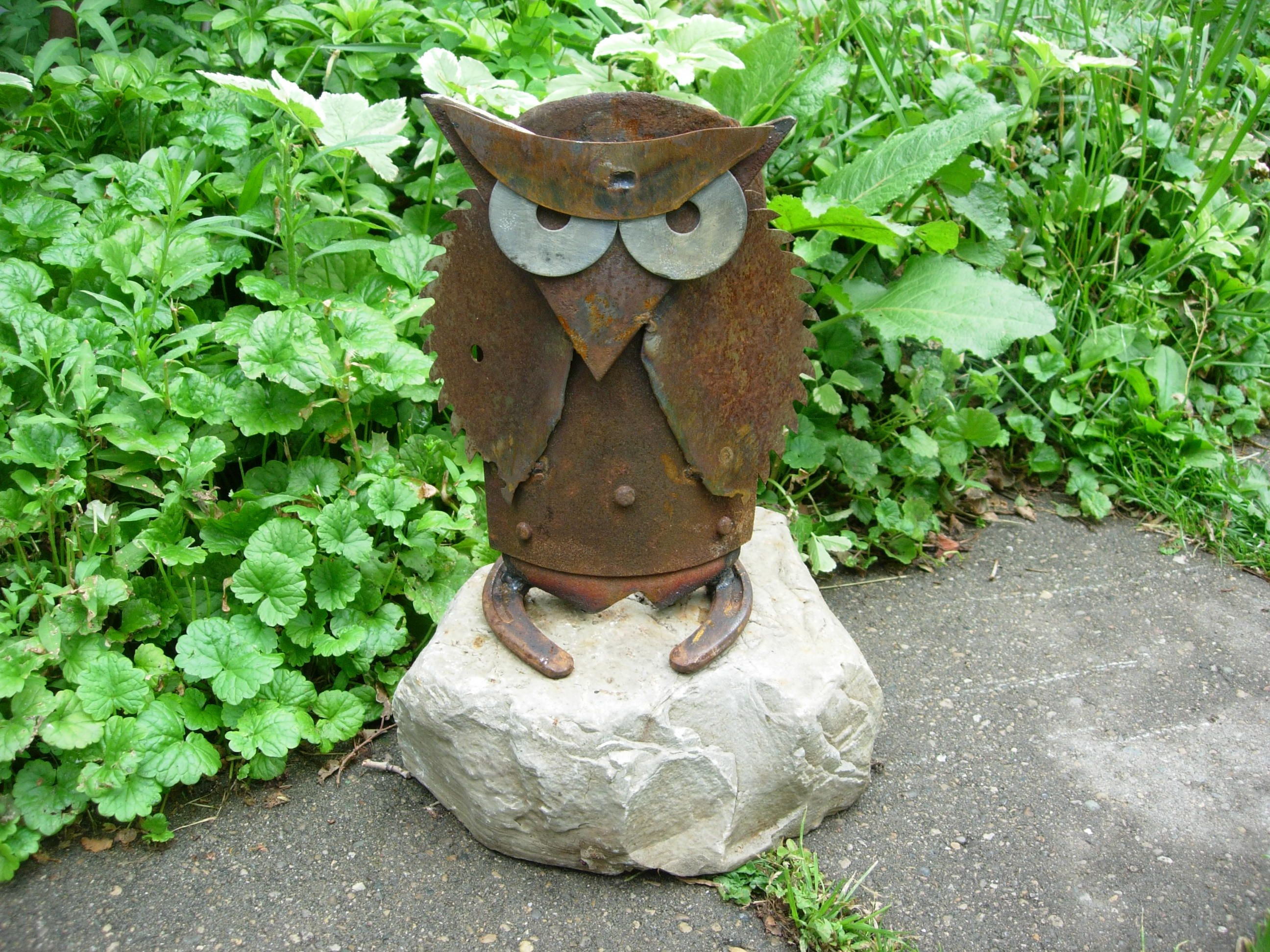 Owl On Rock | Metal Junk Yard Art | Pinterest: pinterest.com/pin/519391769497589277