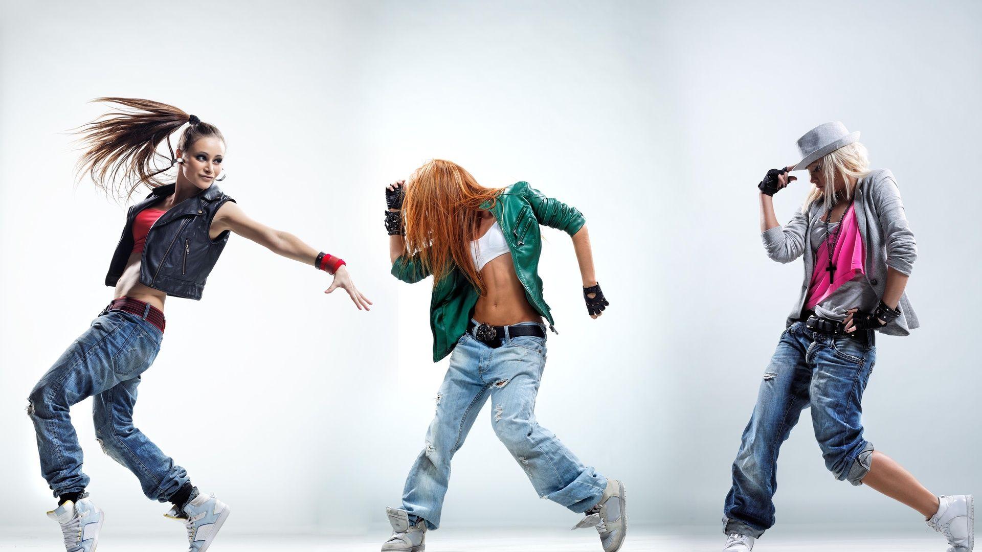 Смотреть танцы с девушками 17 фотография