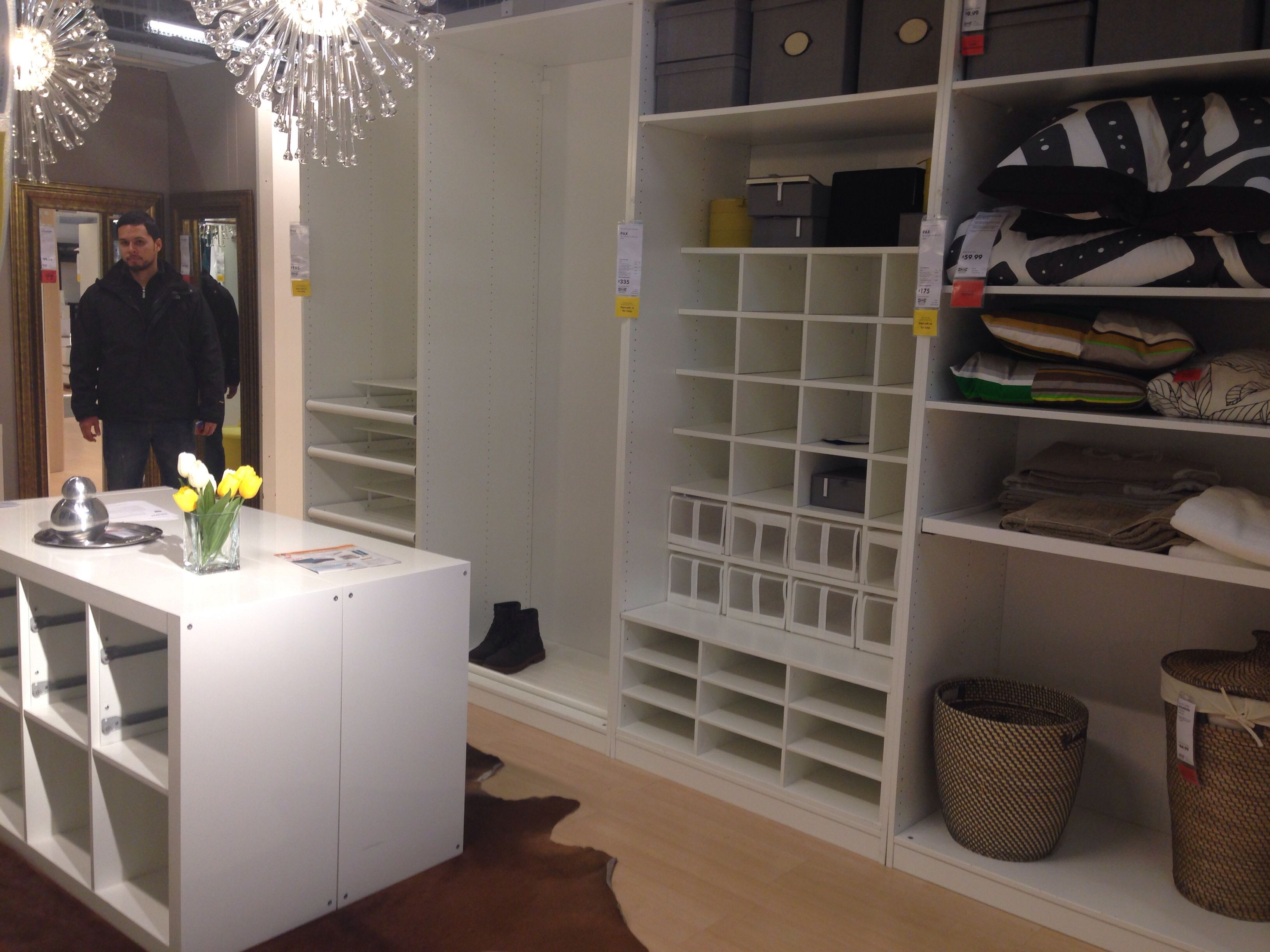 Ikea ideas for walk in closet for Rattan schaukelstuhl quietscht
