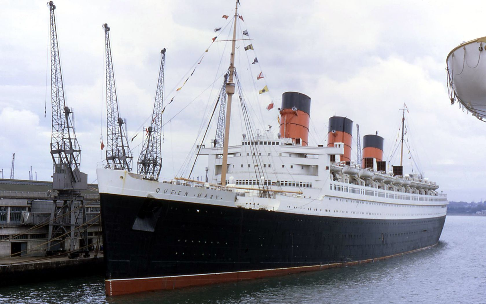 The beautiful Rms queen mary pictures