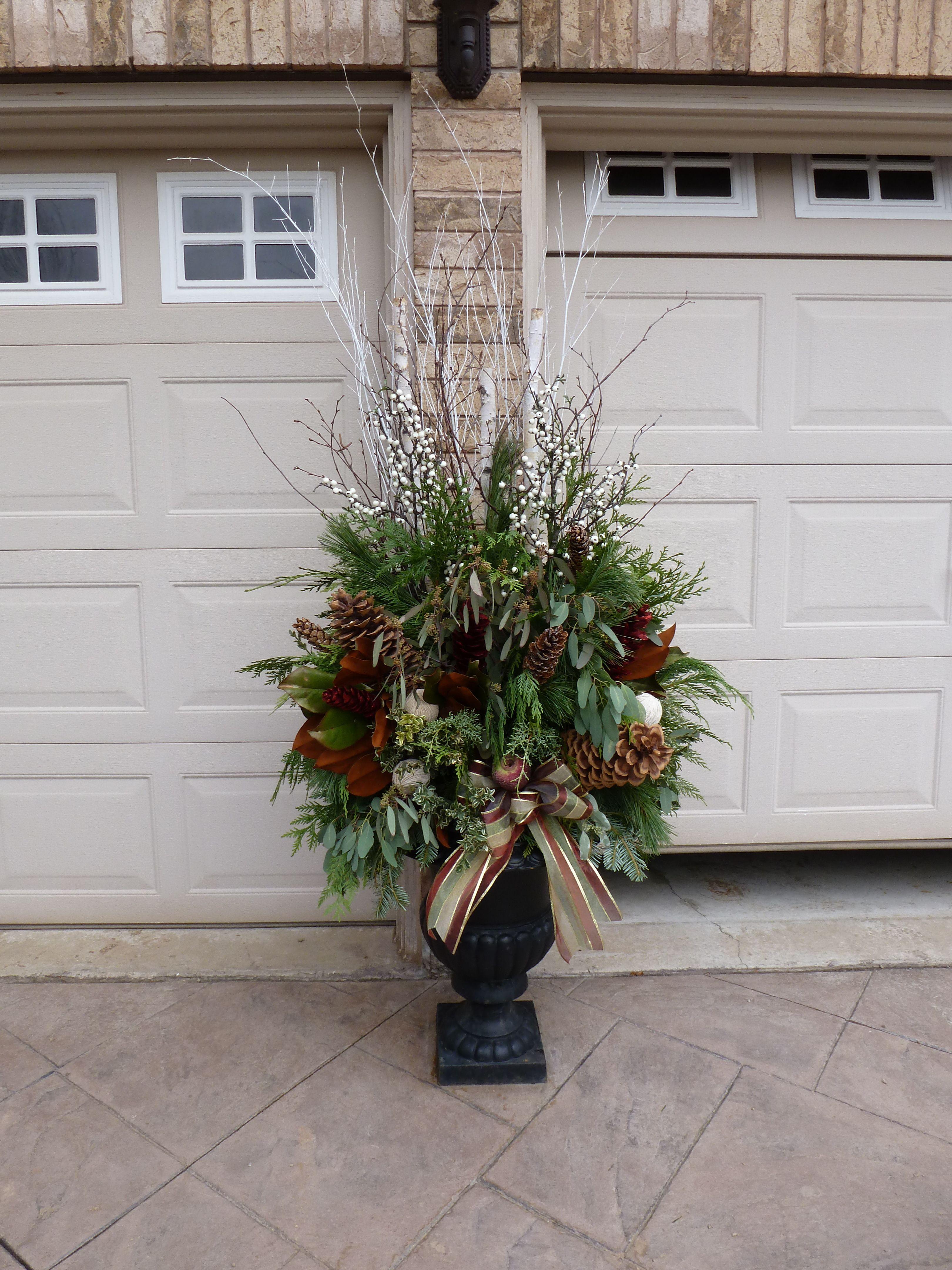 Outdoor christmas decoration ideas pinterest - Http Media Cache Ak0 Pinimg Com Originals 2a 1f 6e 2a1f6e1c8012053522fb0493ed41312e Jpg Christmas Pinterest Christmas Planters And Planters