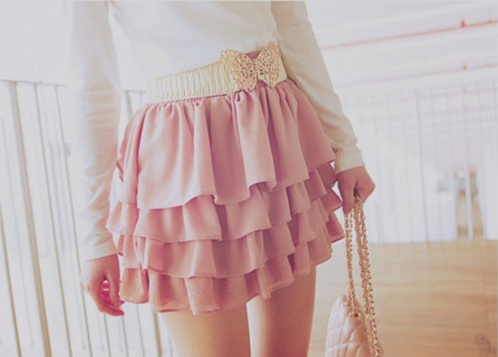 Розовая мини юбка на девушке фото 10 фотография