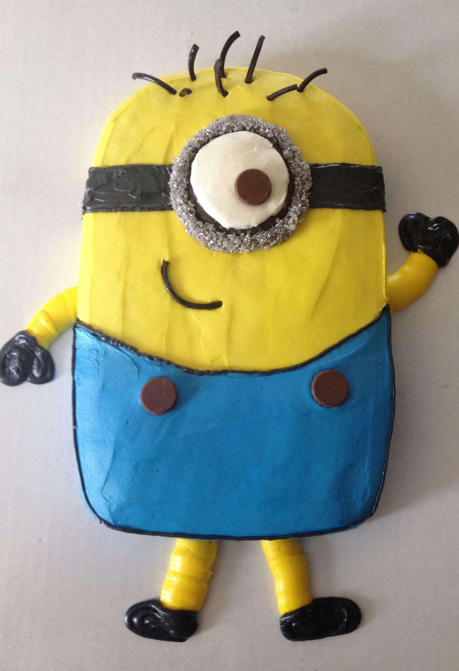 Minion Cake Design Pinterest : Minion cake cake decorating ideas Pinterest