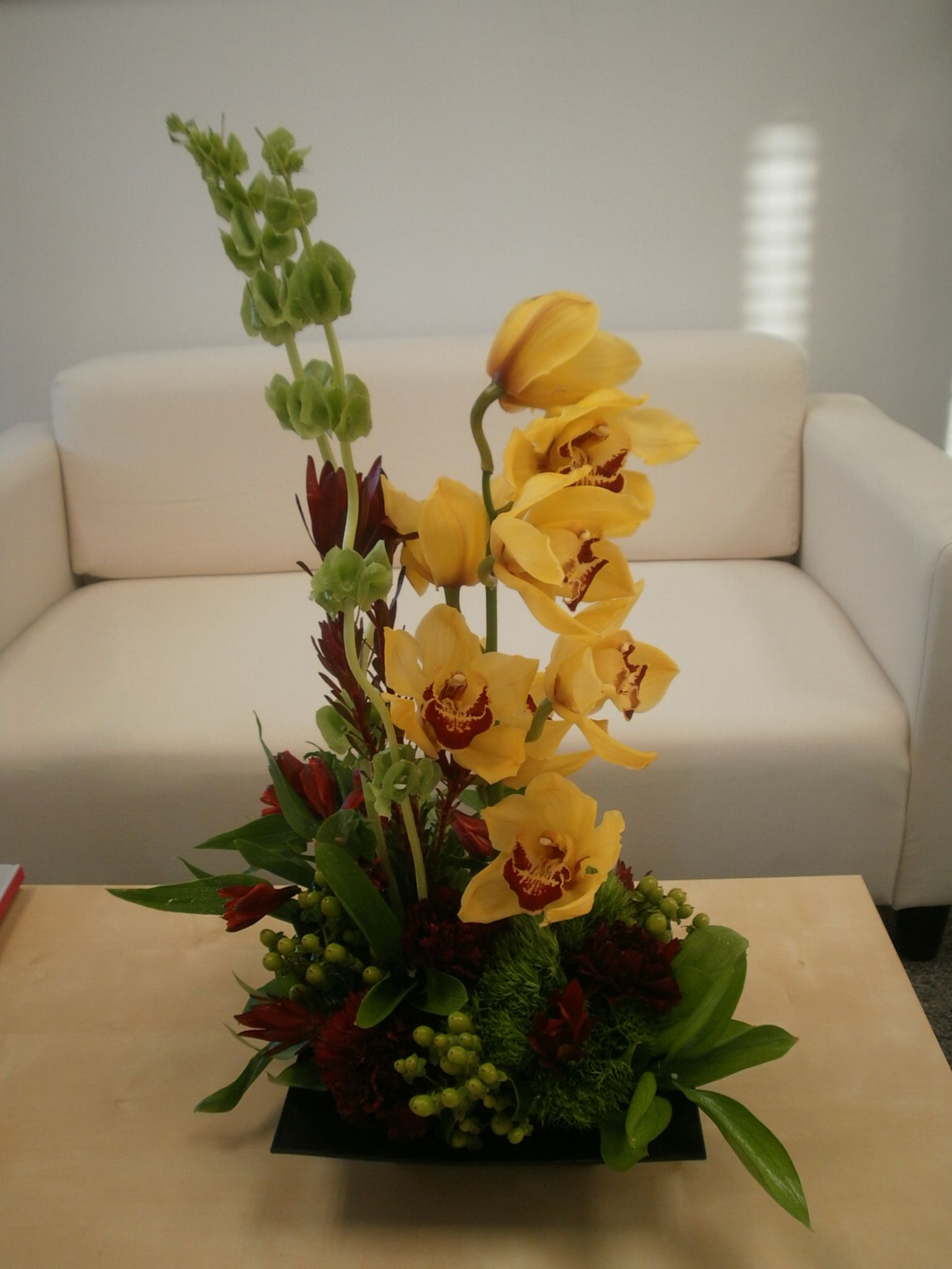 Cymbidium orchids centerpiece cake ideas and designs