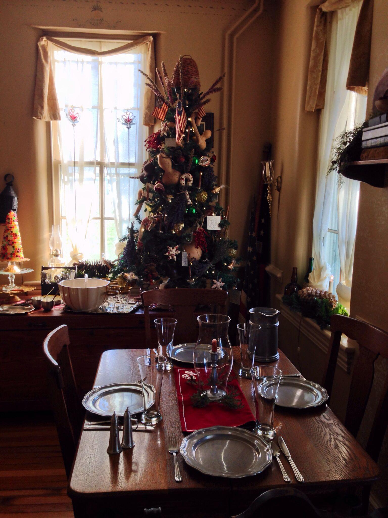 Christmas | Colonial & Primitive Decor | Pinterest