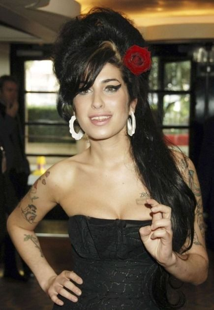AMY WINEHOUSE NOMINATED FOR FOUR MOBO AWARDS