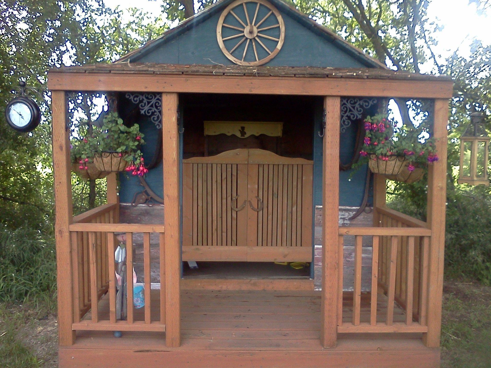 Cute Garden Shed With Saloon Doors Cute Little Garden