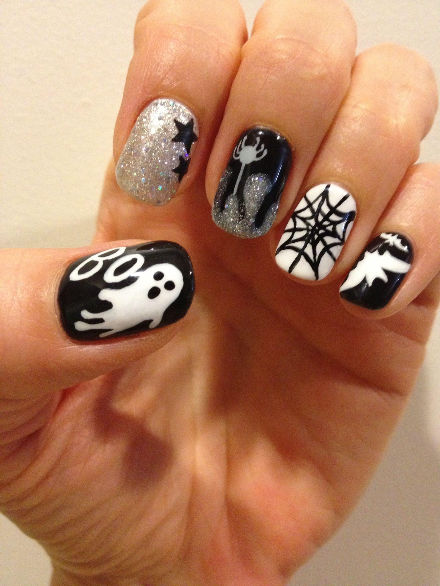 Дизайн ногтей с летучей мыши