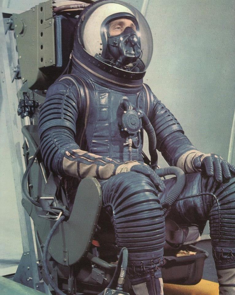 retro space suits - photo #19