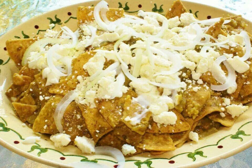 Chilaquiles verdes. | Comida Mexicana | Pinterest