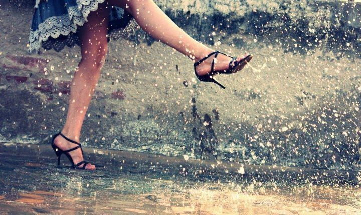 Girl dancing in the rain | Photography | Pinterest