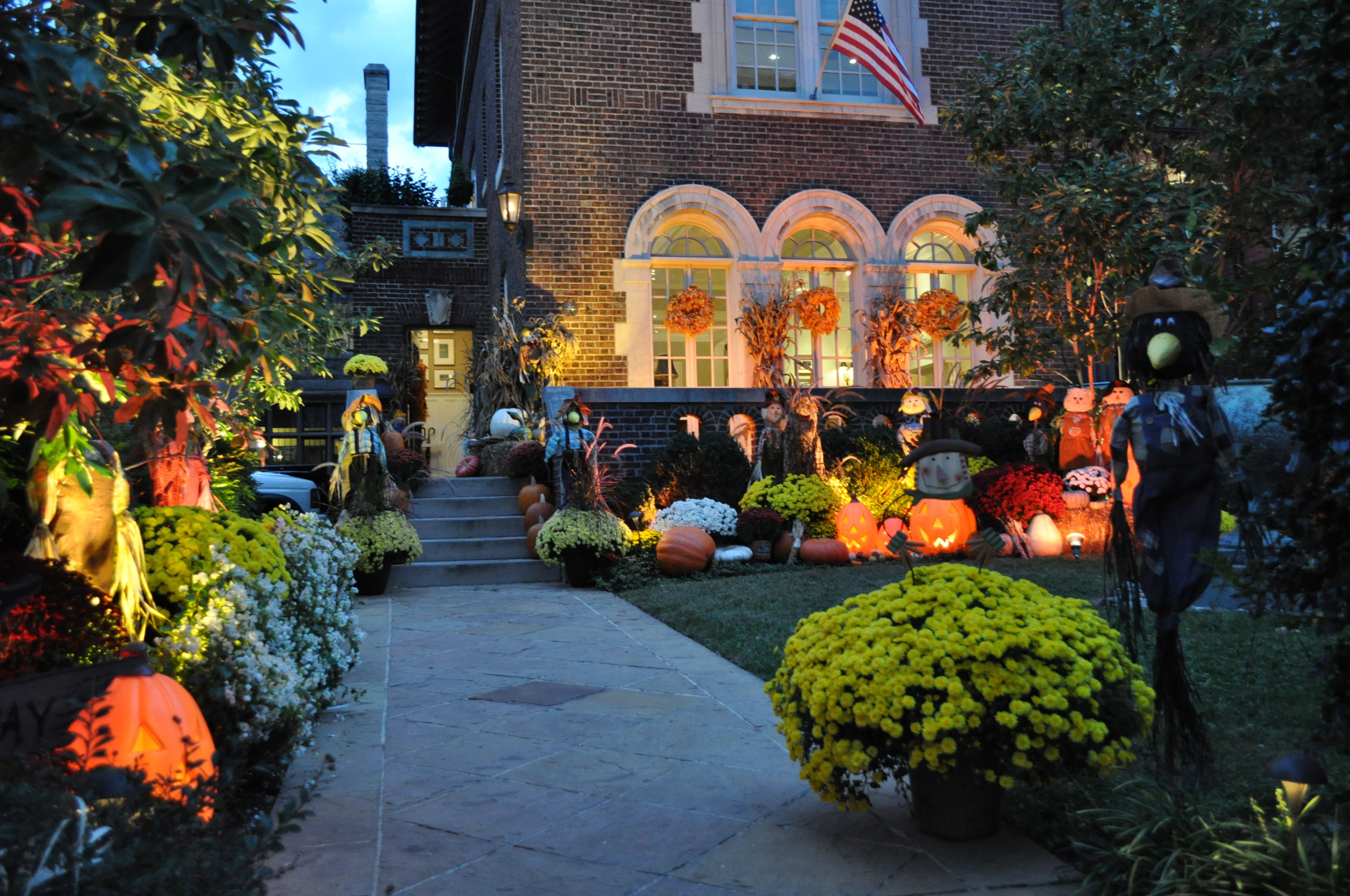 Outdoor Decorating For Fall 28 Fall Outdoor Decorating Ideas Pinterest 45 Cute And Cozy