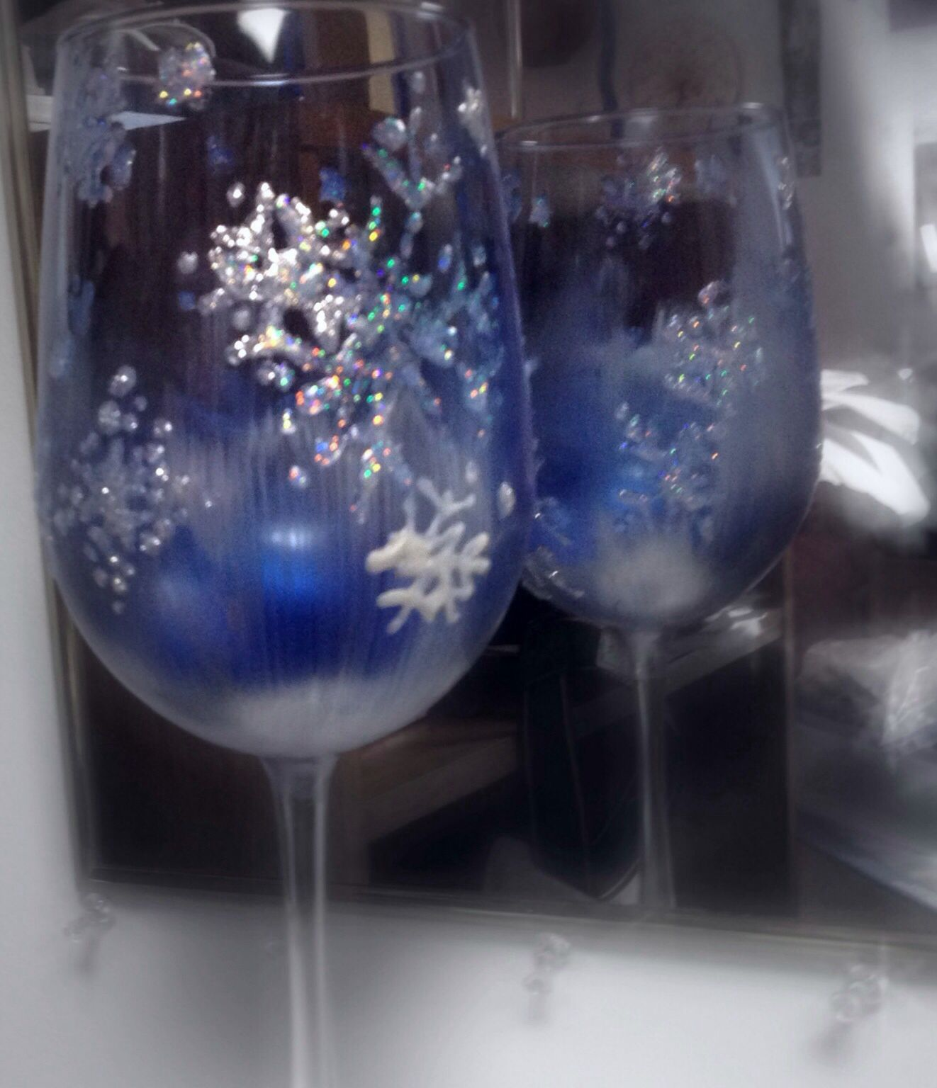 diy painted christmas wine glass diy pinterest