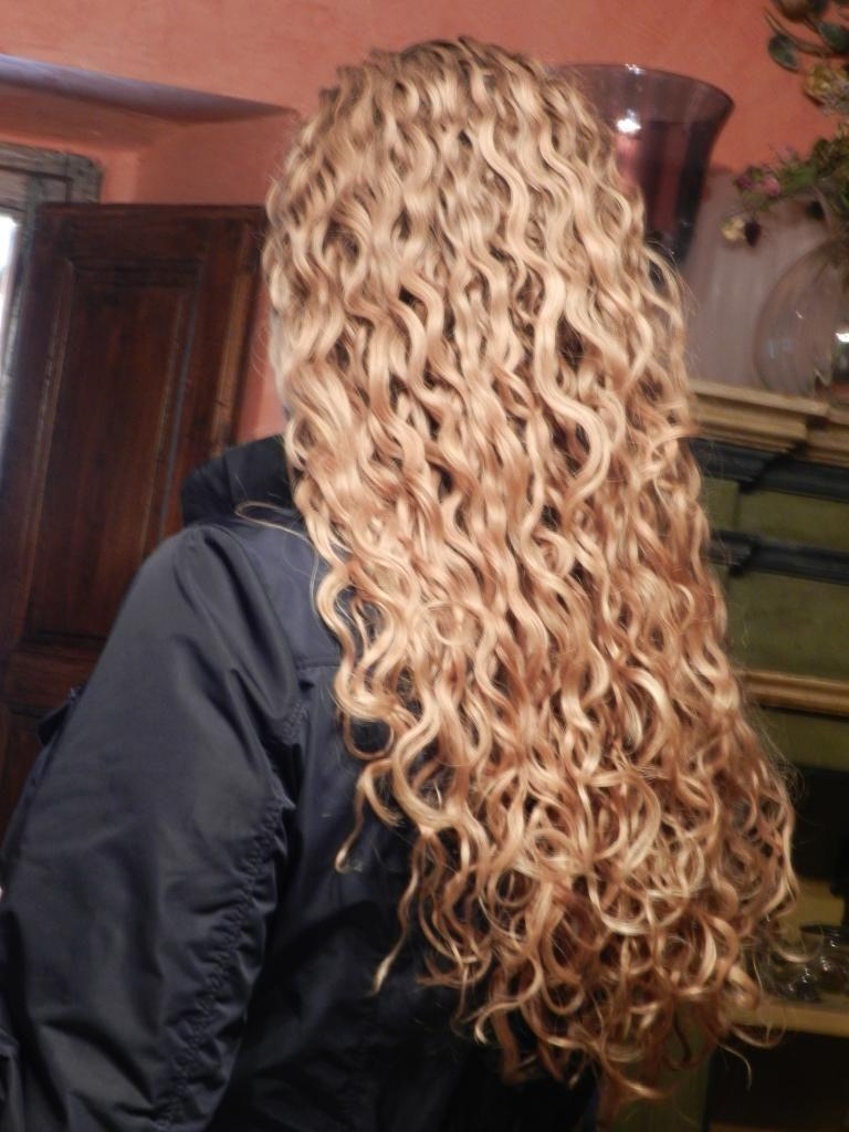 Loose Perm Long Hair | newhairstylesformen2014.com