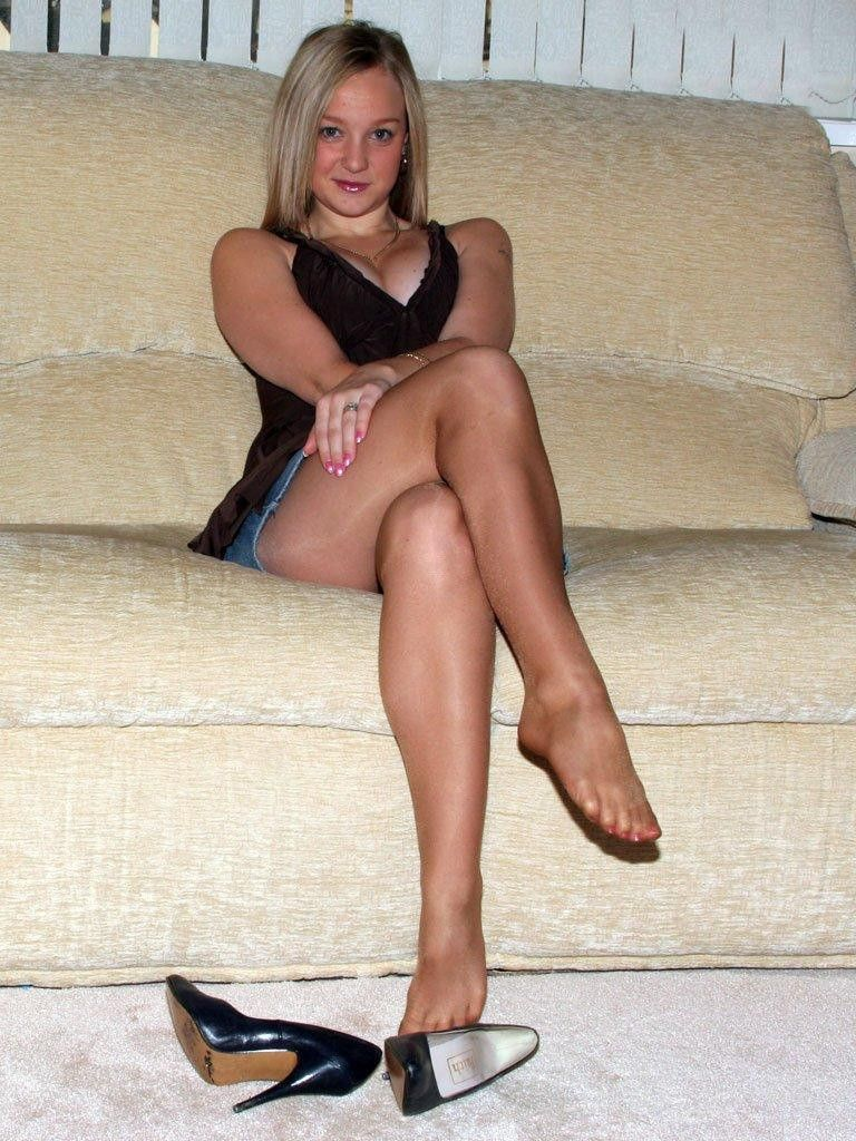 Hot Blonde With Crossed Legs and Pantyhose | Hose-classic ...