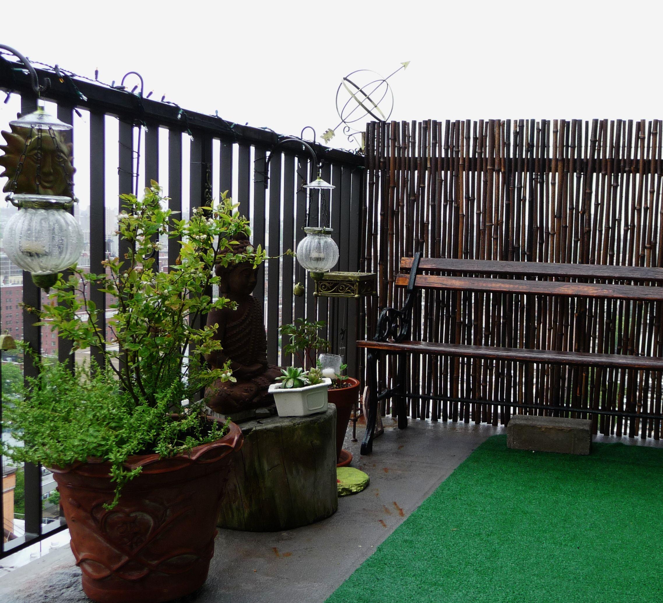 Black bamboo fence nyc terrace garden secret garden for Terrace fence