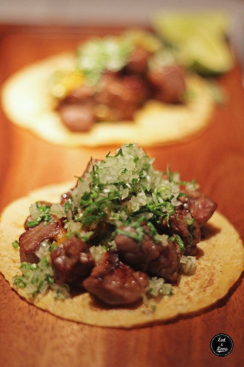 Tacos de buey gallego madurado por 90 días estilo norteño con salsa ranchera- Restaurante Punto MX Madrid