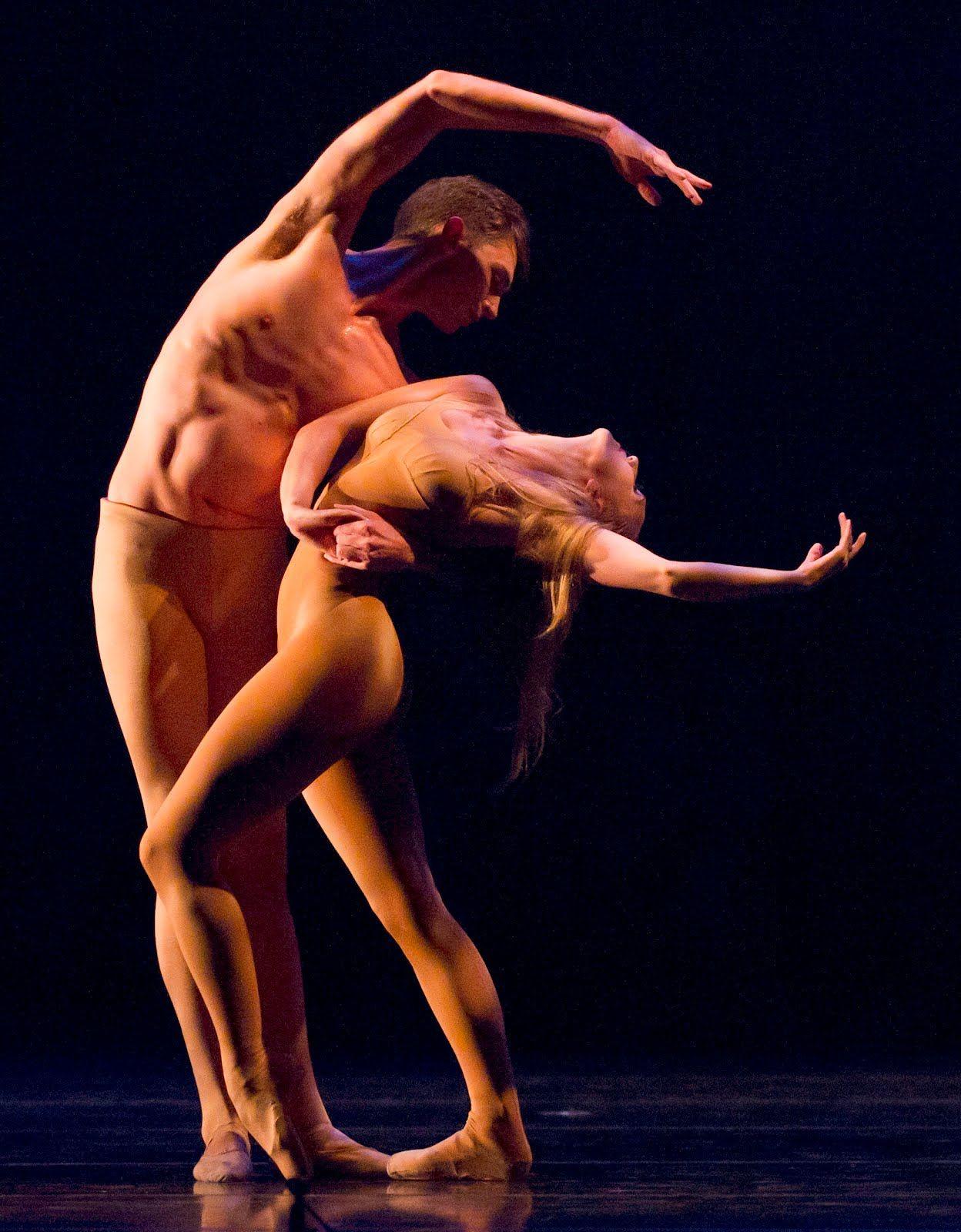 Смотрим Обнаженные Танцы