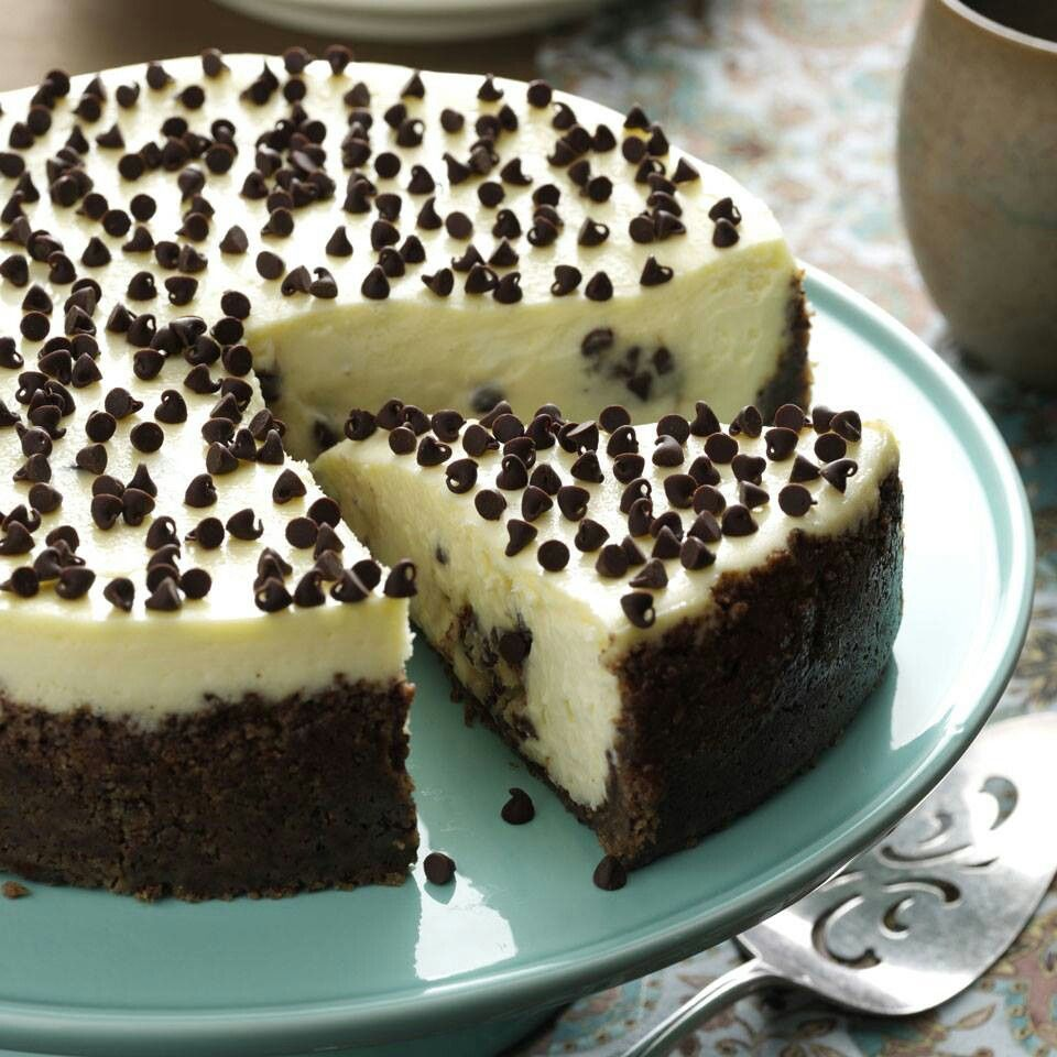 Chocolate chip cookie dough cheesecake | Favorite recipes | Pinterest