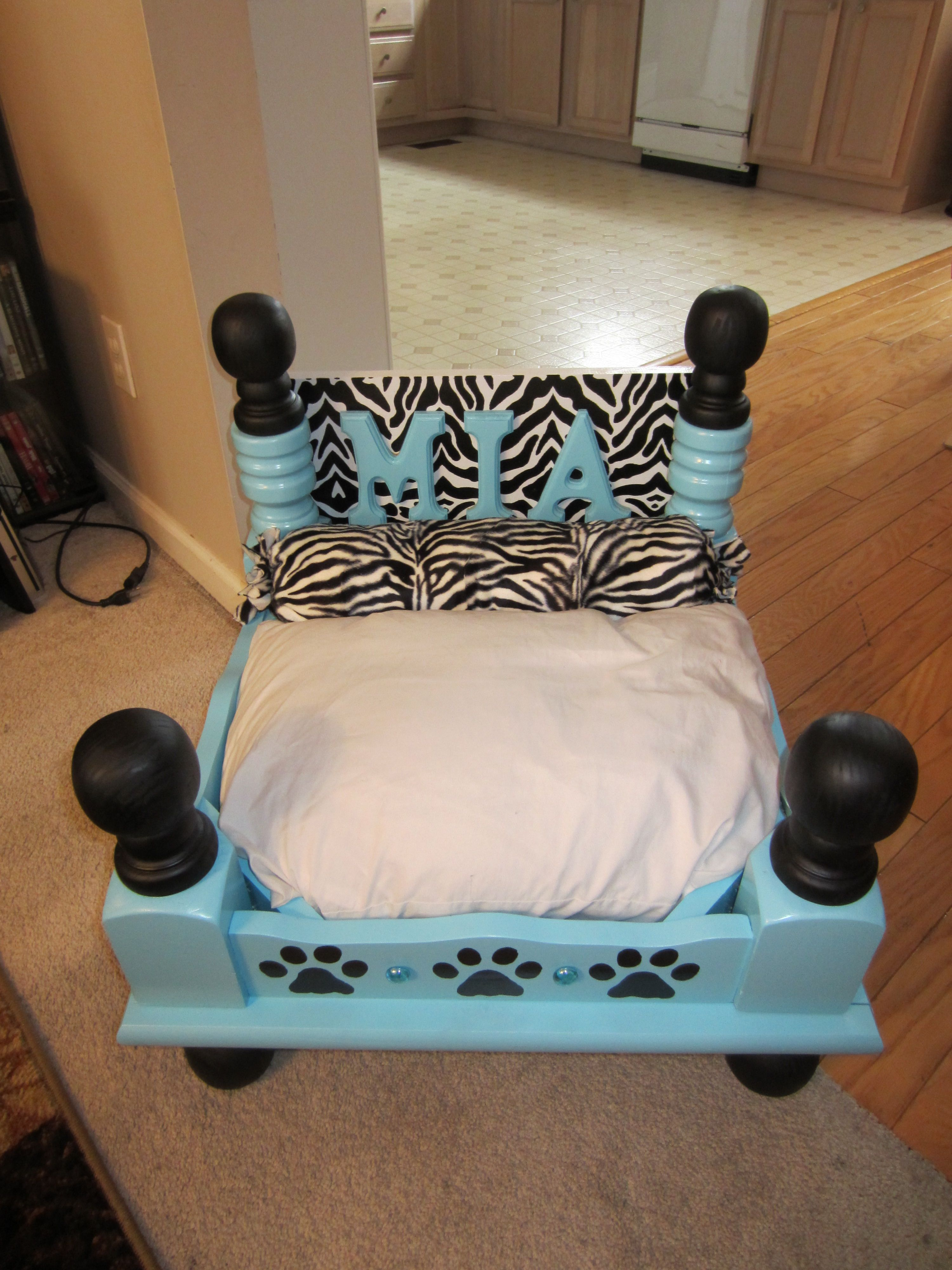 Dog bed made from an old end table dog beds pinterest for Dog bed table