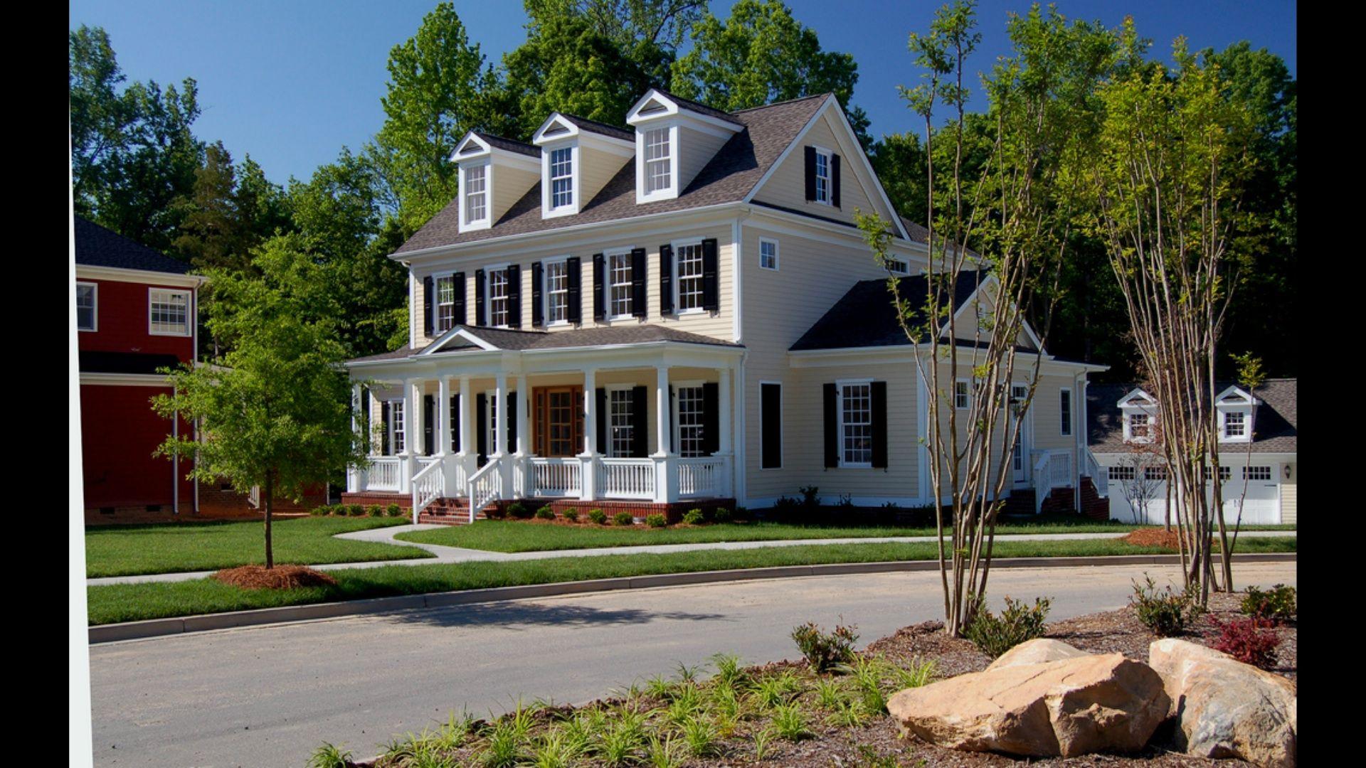 Colonial farm house house