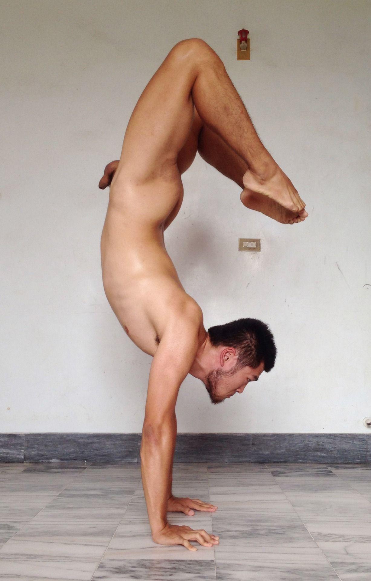 Обнаженные Акробаты Мужчины
