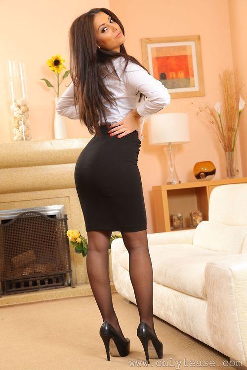 Mature black secretaries in pantyhose