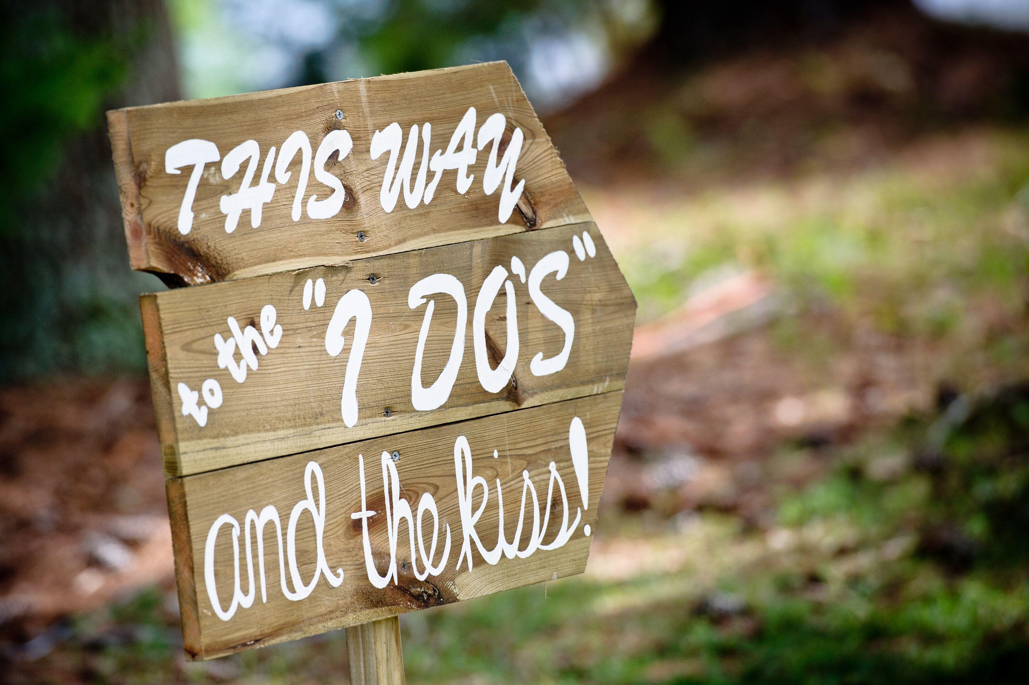 DIY wedding signs  Martha Stewart Weddings