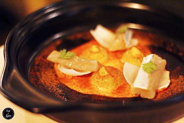 caballa curada con guacamole, cebolletas chinas, almendra y tomate - Al Trapo - restaurante alta cocina creativa Madrid hotel Letras