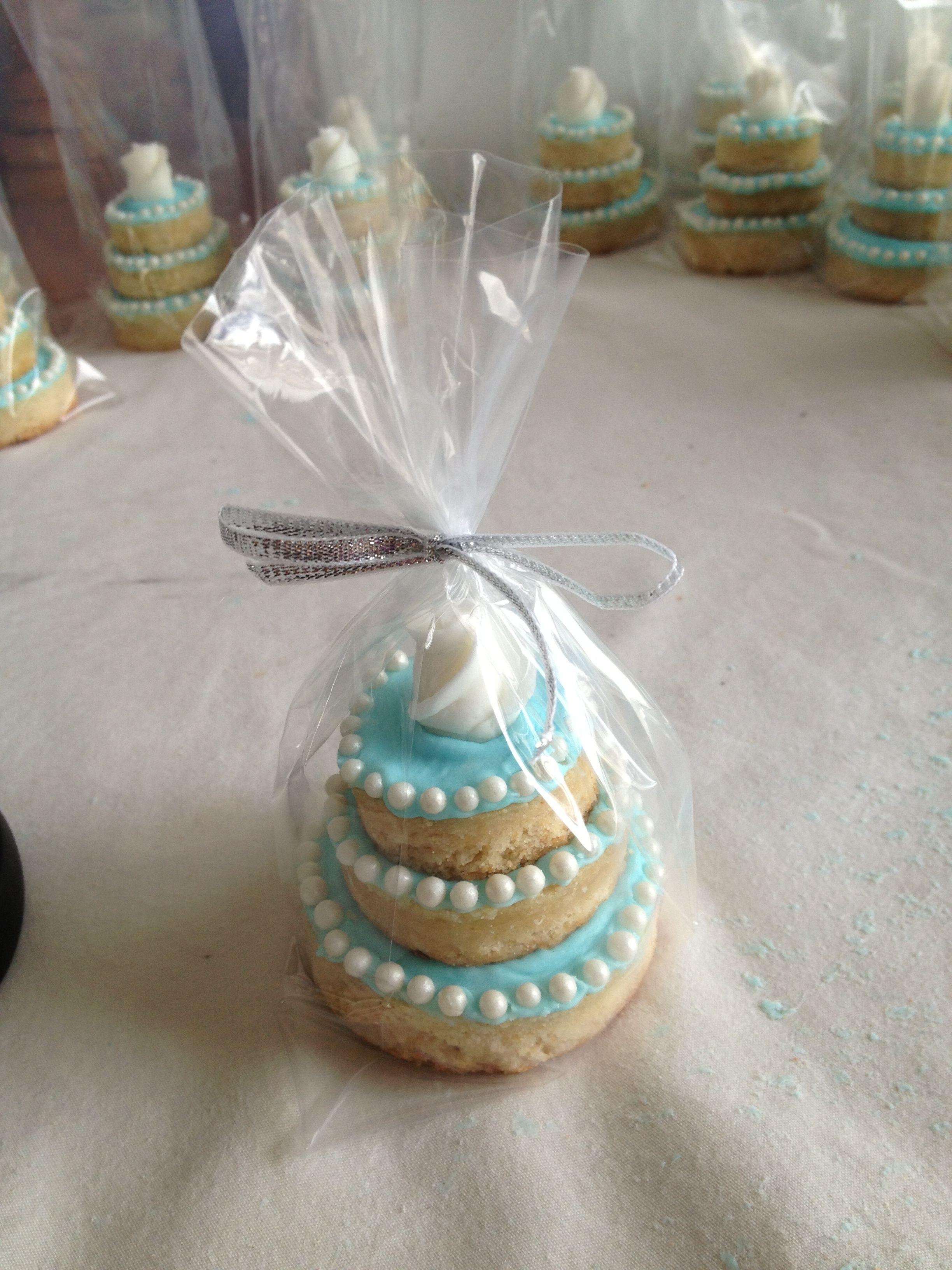 Mini Wedding Cake Favors Mini Wedding Cakes Pinterest
