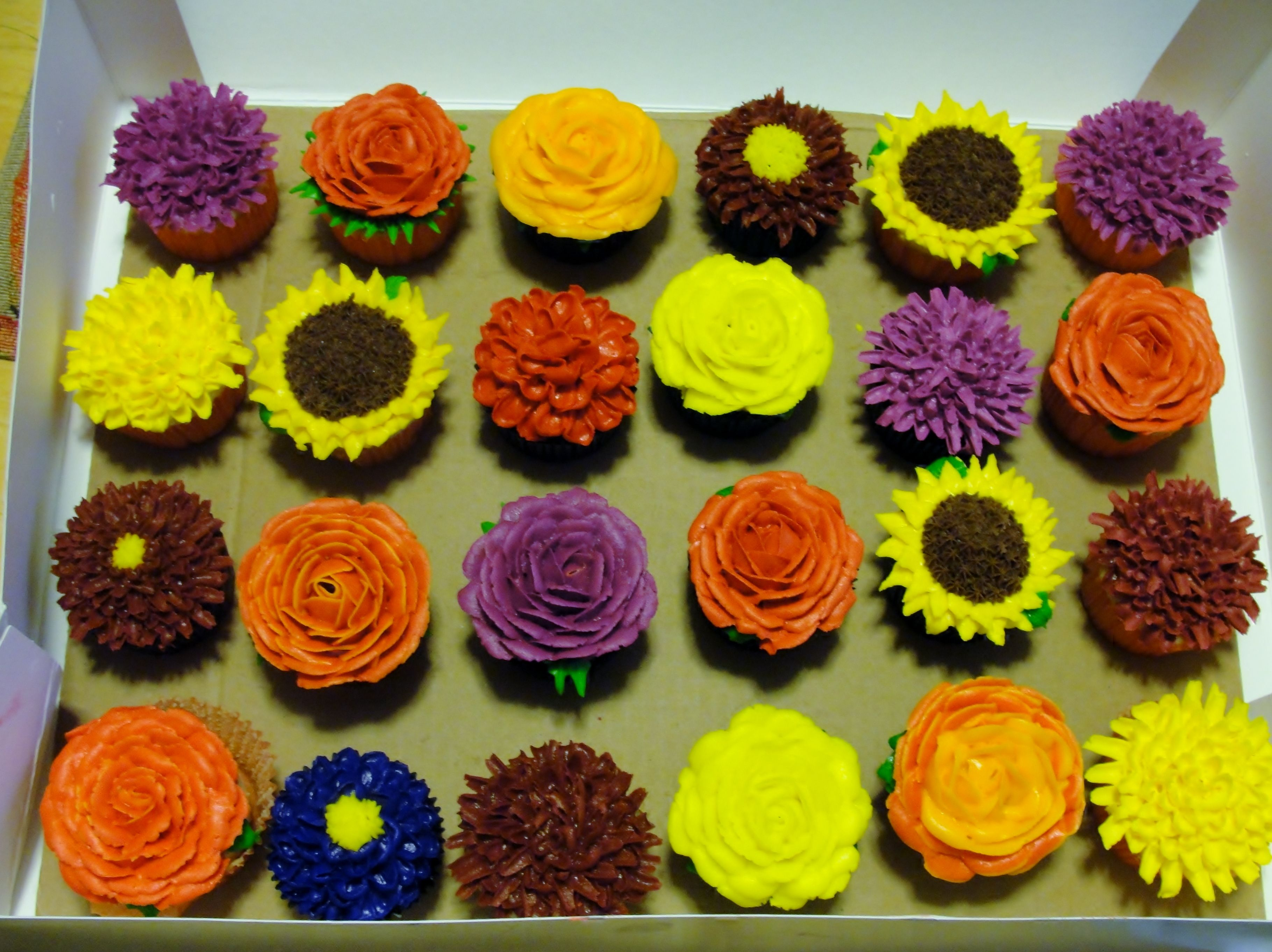 Fall flower cupcakes... | Harvest Time | Pinterest