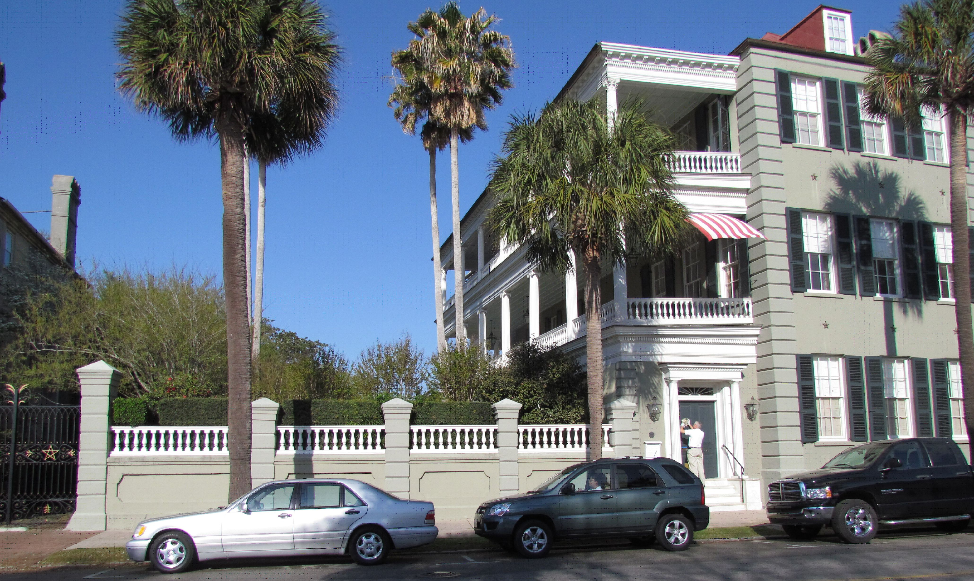 Designer homes pictures xcombear download photos textures for Charleston single house
