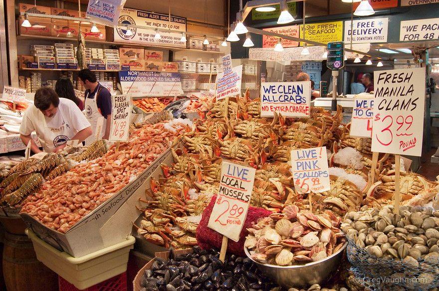 Pike public market seattle seafood feeling crabby for Fish market in seattle