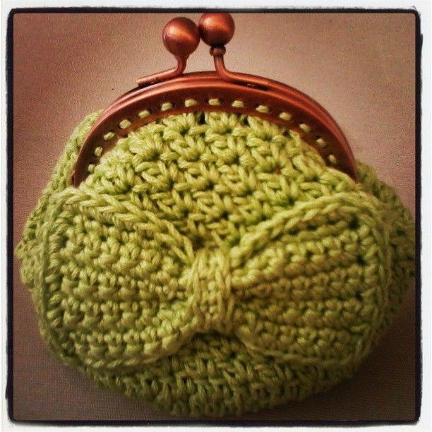 Free Pattern Crochet Coin Purse : Crochet coin purse Monederos a crochet Pinterest