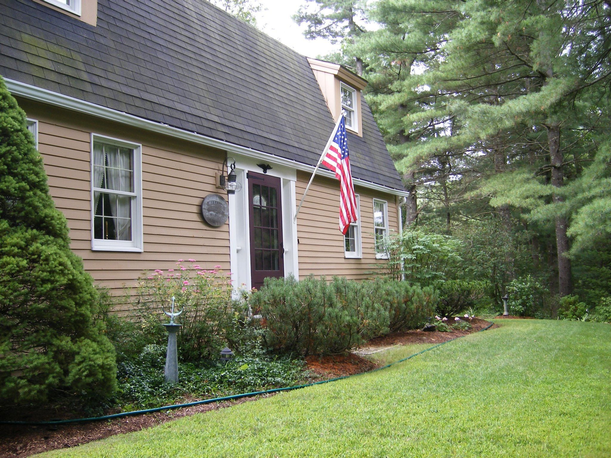 Gambrel Style aka Dutch Colonial | NEW ENGLAND ~ HOMES, PLACES AND IC ...