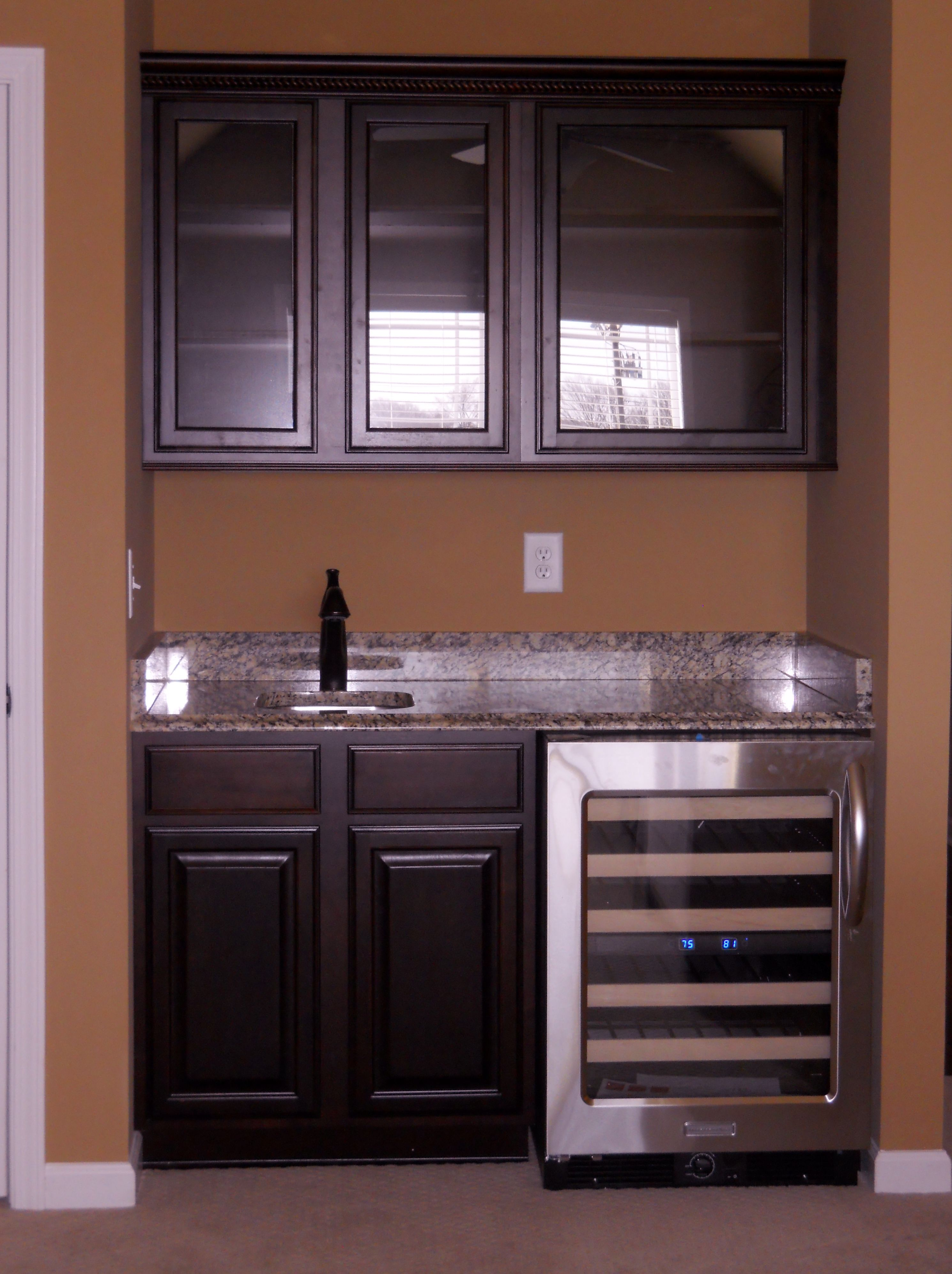 Simple Wet Bar Would Add Backsplash For The Home Pinterest